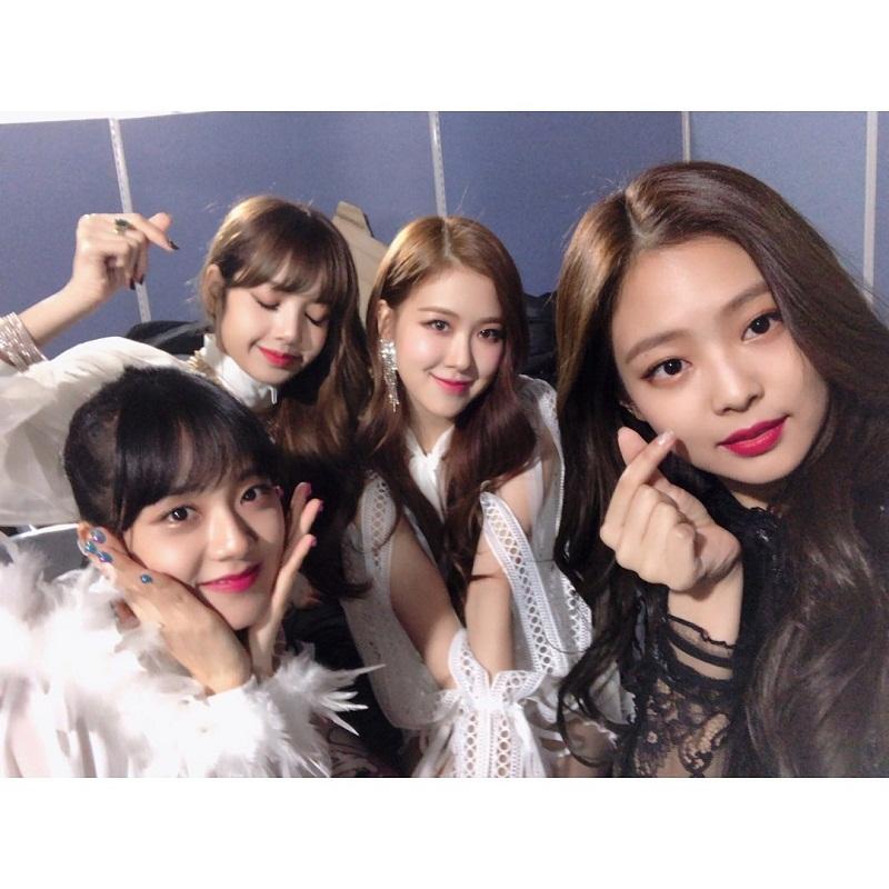 Корейская гёрл-группа Black Pink фото