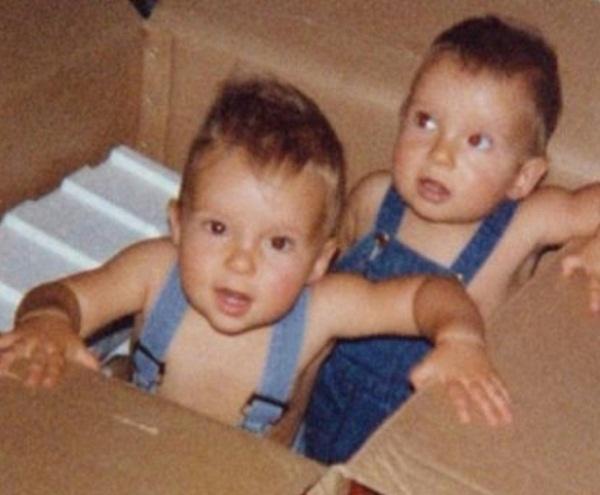 Том и Билл Каулиц в детстве фото