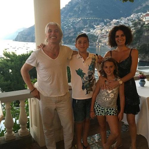 Флоранс Илли-Хворостовская с мужем и детьми фото