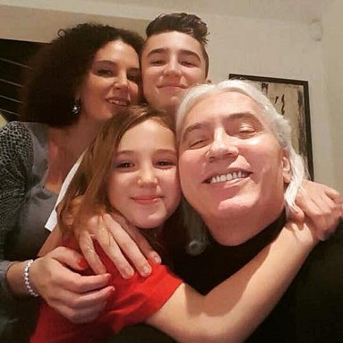 Флоранс Илли-Хворостовская с семьей