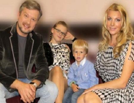 Валдис Пельш с женой и детьми фото