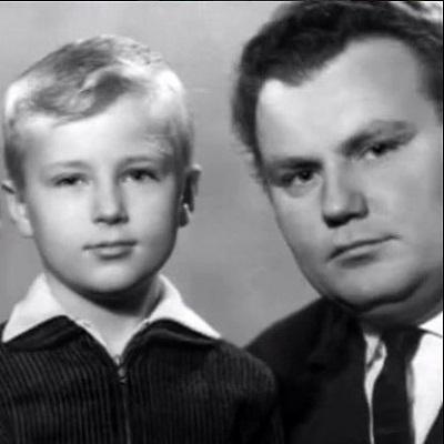 Олег Штефанко в детстве с отцом фото