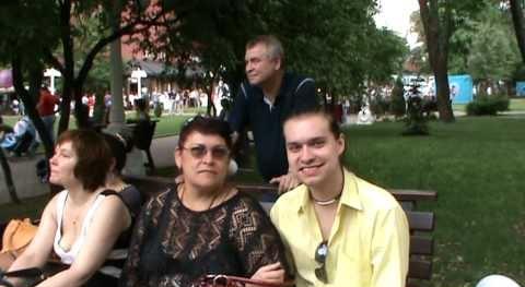 Гоген Солнцев с мамой фото