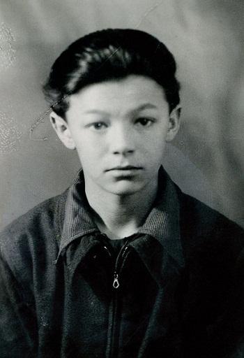 Александр Збруев в детстве