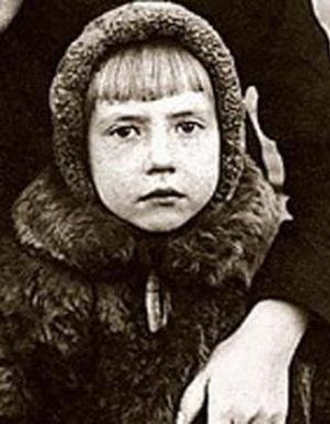 Инна Чуриковав детские годы