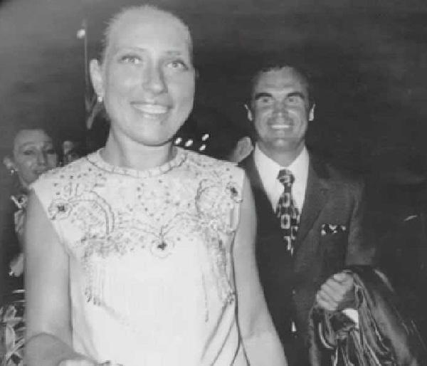 Инна Чурикова с мужем Глебом Панфиловым фото