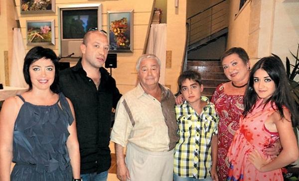 Роман Карцев в кругу семьи