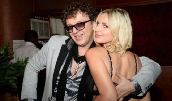 Рома Жуков с женой Еленой фото