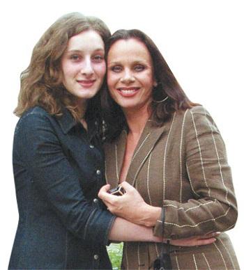 Любовь Полищук с дочерью