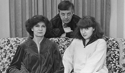 Раймонд Паулс с супругой Светланой Епифановой и дочерью