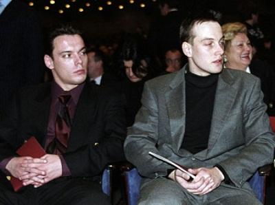 на фото сыновья Василия Ланового: Сергей (справа) и Александр