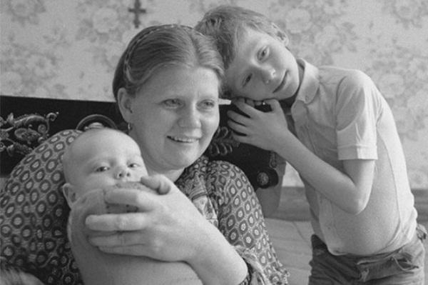 Ирина Муравьева с детьми